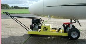Hydrautug 400 attached to nosewheel