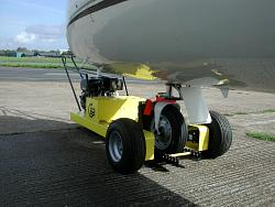 400 attached to executive jet nose wheel
